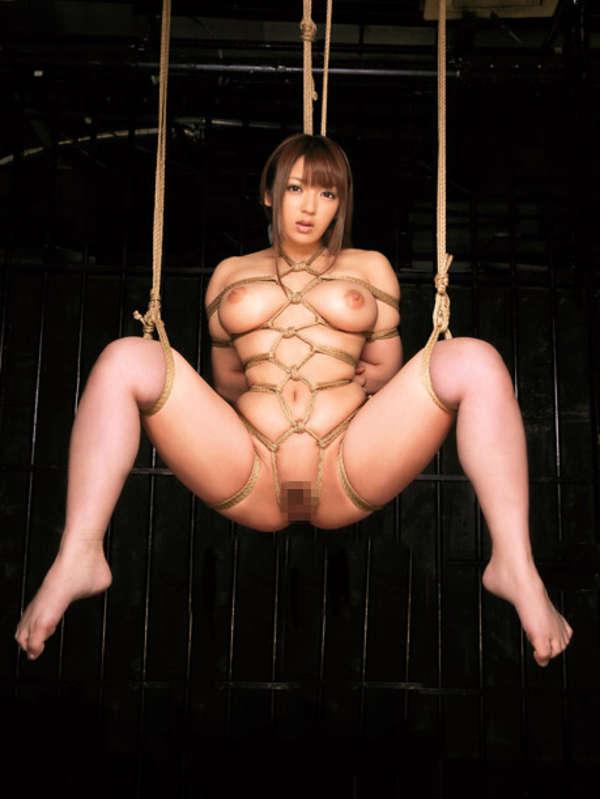 【SM緊縛エロ画像】緊縛されても感じてしまうドM体質の女の子たちの卑猥な姿! 07