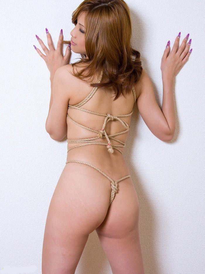 【SM緊縛エロ画像】緊縛されても感じてしまうドM体質の女の子たちの卑猥な姿! 08