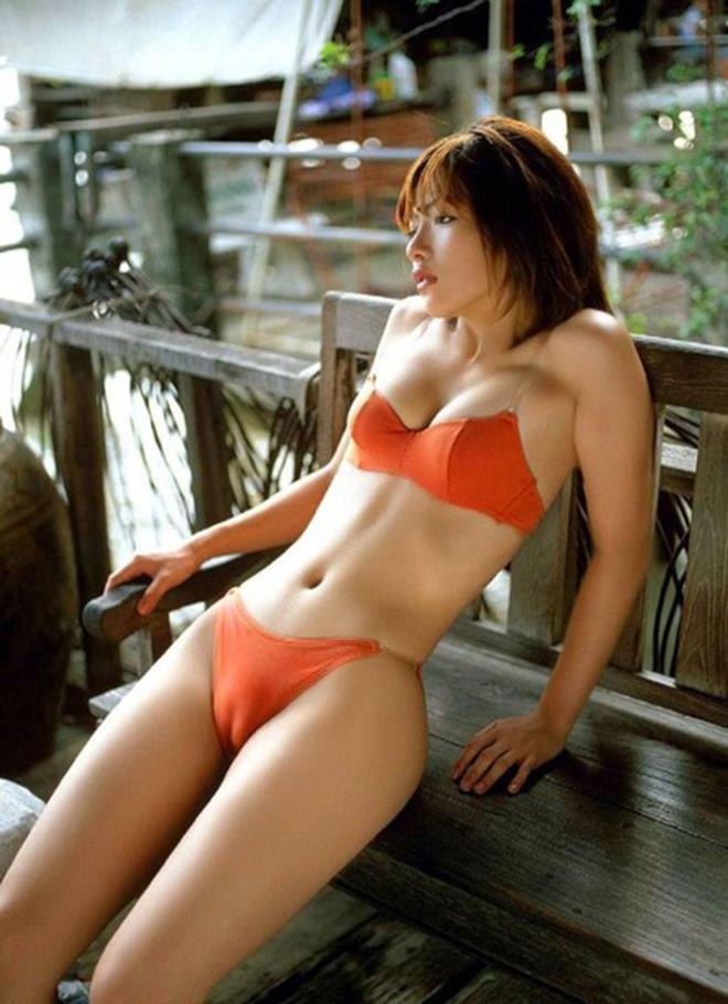 【マンスジエロ画像】オマンコが浮き彫りにされたかのようなマンスジ! 07
