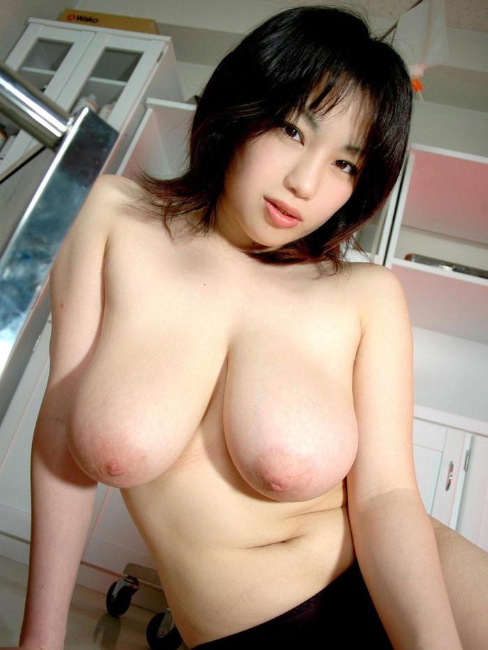 【巨乳エロ画像】巨乳ファン必見の巨乳+美乳の女の子を集めてみた! 09