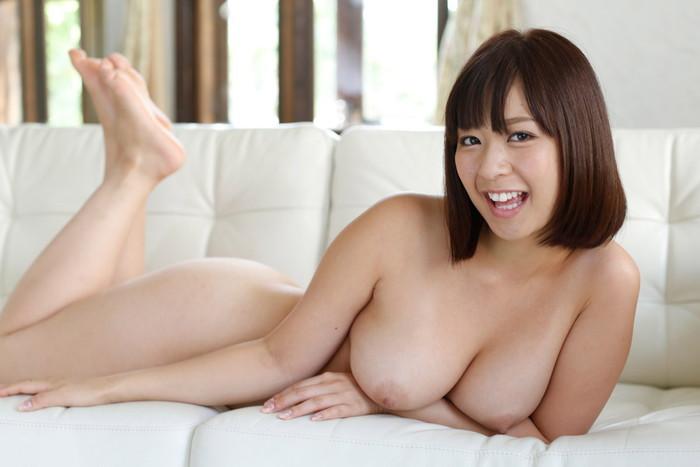 【巨乳エロ画像】巨乳ファン必見の巨乳+美乳の女の子を集めてみた! 24