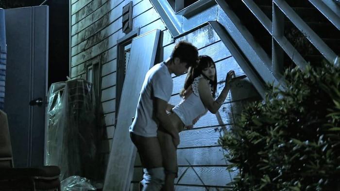 【野外セックスエロ画像】自然の驚異にも負けないアウトドア派の野外セックスw 25