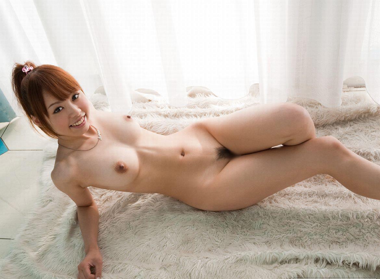【クビレエロ画像】魅力的な女性のボディーラインをクビレたウエストが強調!