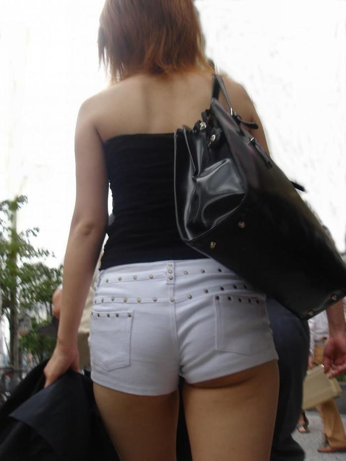 【ホットパンツエロ画像】男性の視線は太ももに釘付け!ホットパンツ! 19