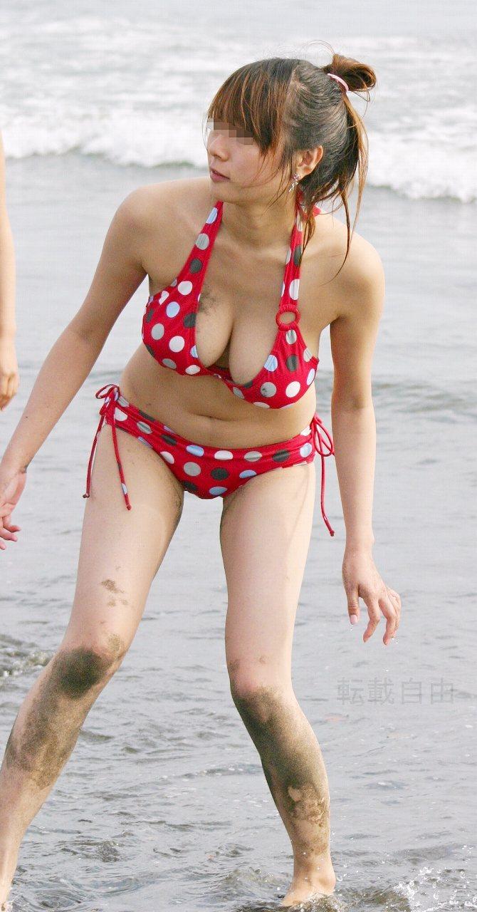 【ビキニエロ画像】夏の日差しが似合うのは下着姿同然のビキニギャルだろ!w 05