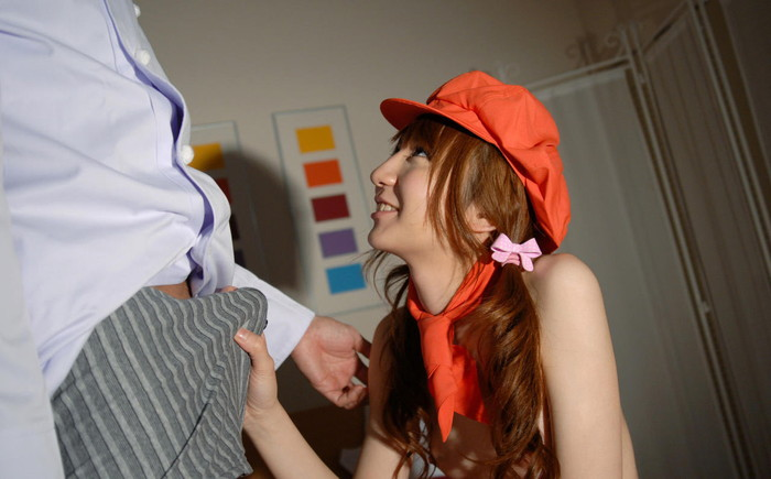 【手コキエロ画像】街中でも見かけそうな女の子たちの破廉恥!手コキ画像! 11