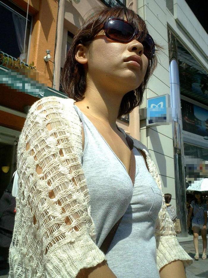 【着衣おっぱいエロ画像】はちきれんばかりの着衣おっぱいから目が離せない! 29