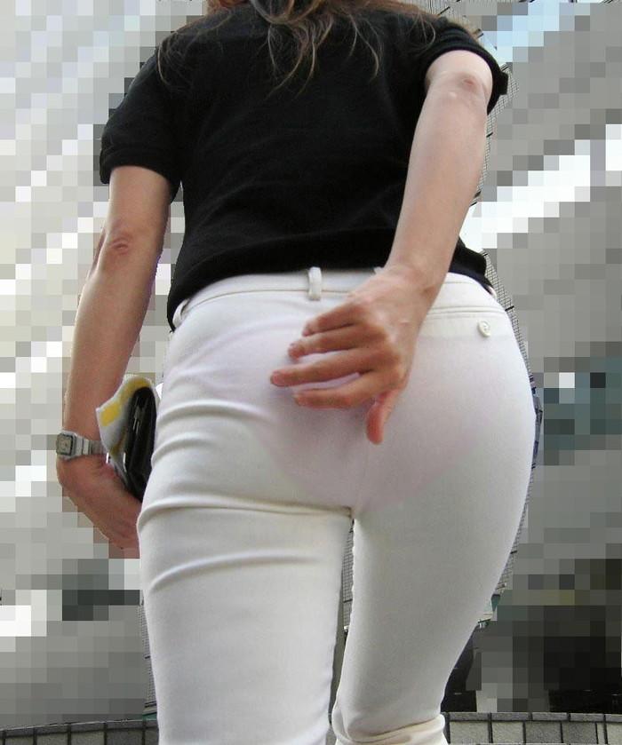 【着衣のお尻エロ画像】ぷりっぷりの着衣のお尻!こんなエロいもの晒されたら堪らん! 09