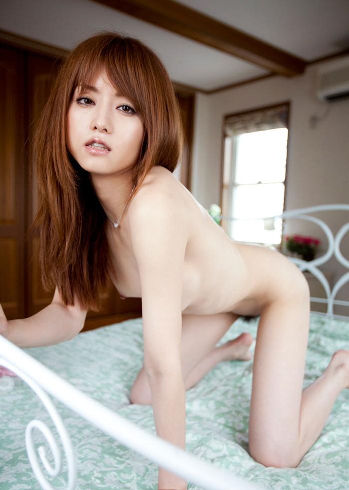 【吉沢明歩エロ画像】映画にもキャスティングされるほどの美貌の持ち主のAV女優 09