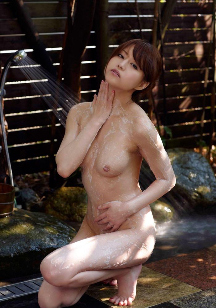 【吉沢明歩エロ画像】映画にもキャスティングされるほどの美貌の持ち主のAV女優 26