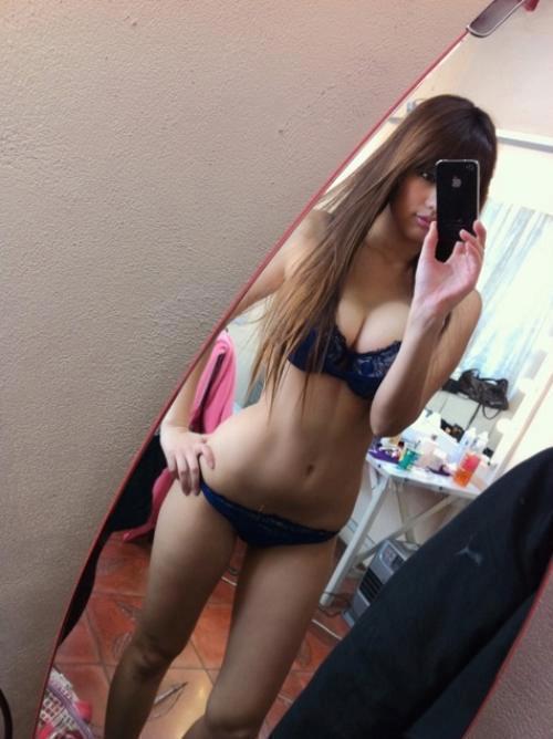 【アジア素人自撮りエロ画像】アジア人も自撮りで裸体を晒す!万国共通大胆な素人! 04