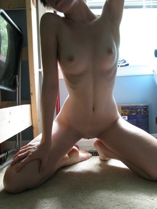 【アジア素人自撮りエロ画像】アジア人も自撮りで裸体を晒す!万国共通大胆な素人! 16