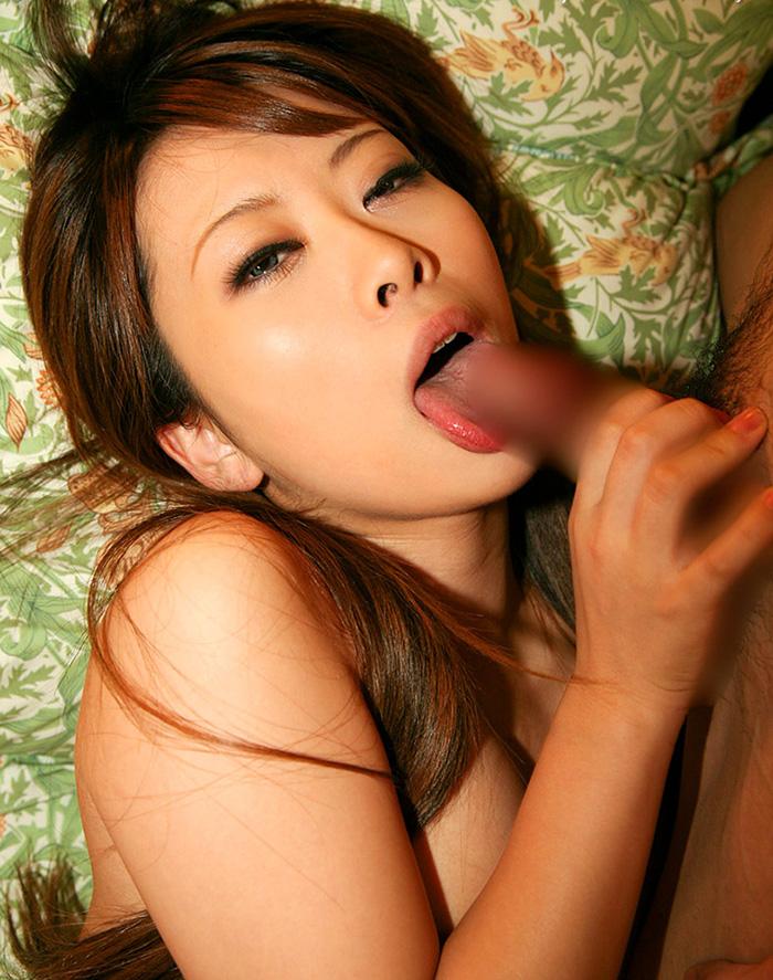 【フェラチオエロ画像】女の子の可愛い口でチンポを舐める刺激的で甘美な行為 25