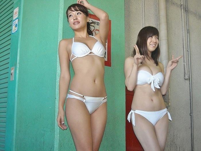 【キャンギャルエロ画像】年々エロくなるキャンギャルの衣装にフル勃起! 16