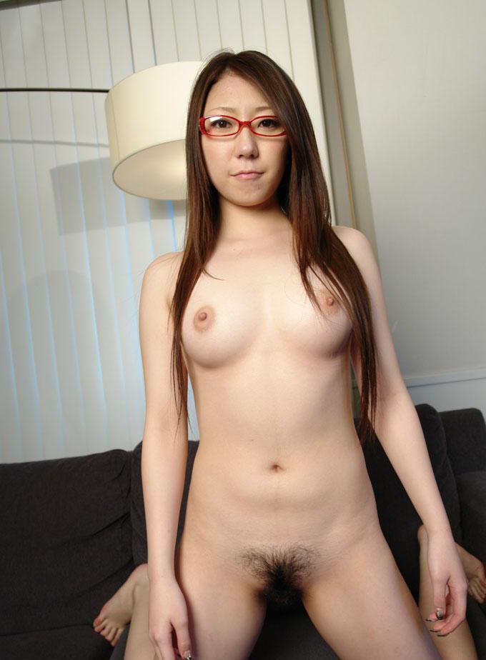 【眼鏡っ子エロ画像】普段は真面目そうに見える女の子の裸ほどエロイと思う! 05