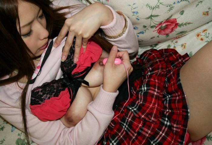 【オナニーエロ画像】まるで夢心地なオナニー中の女の子たちの悦顔にフル勃起! 21