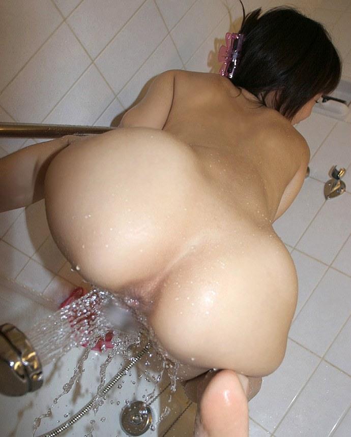 【オナニーエロ画像】シャワーの水圧で快感を得る一風変わったシャワーオナニー! 05