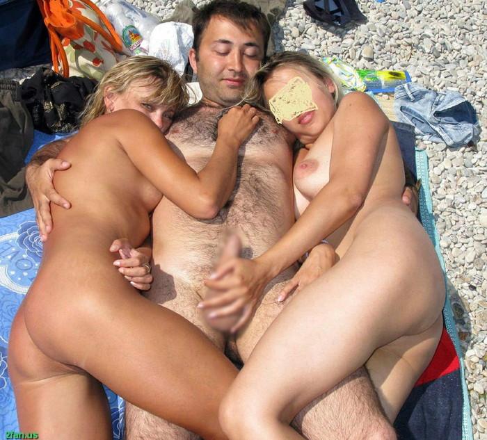 【ヌーディストビーチエロ画像】男女が裸になればやっぱりこういう事がw 03