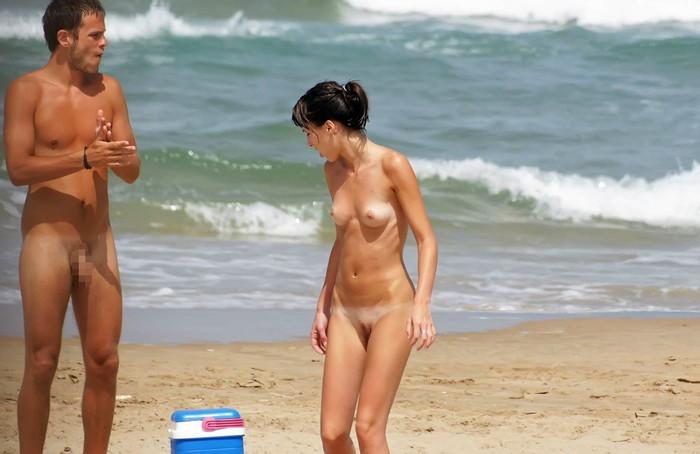 【ヌーディストビーチエロ画像】男女が裸になればやっぱりこういう事がw 15