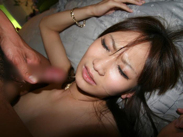 【顔射エロ画像】顔に大量に精子をぶっかける行為は愛!?陵辱!? 21