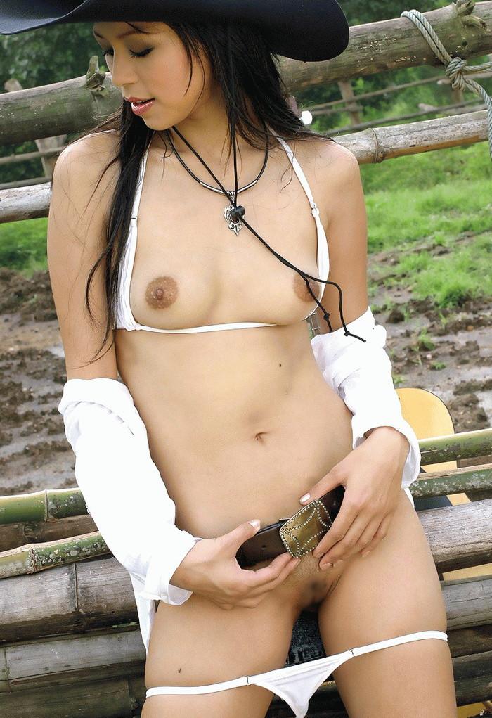 【アジアンエロ画像】ちょっと褐色掛かった肌も、敏感な身体もアジアンの魅力 01