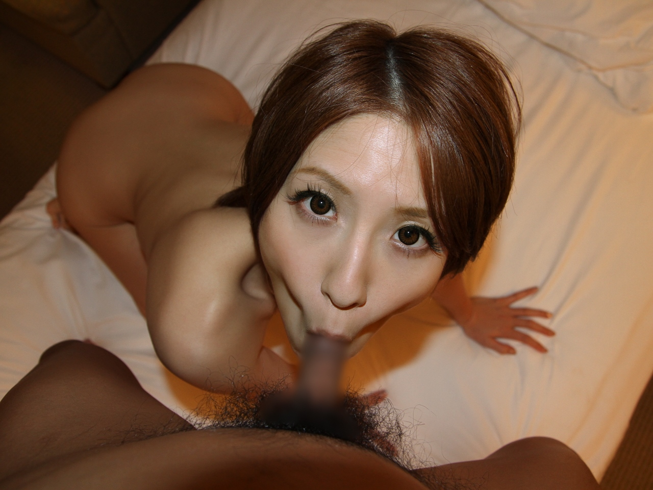 【フェラチオエロ画像】窄ませた頬が快感の秘密!?ディープスロートw