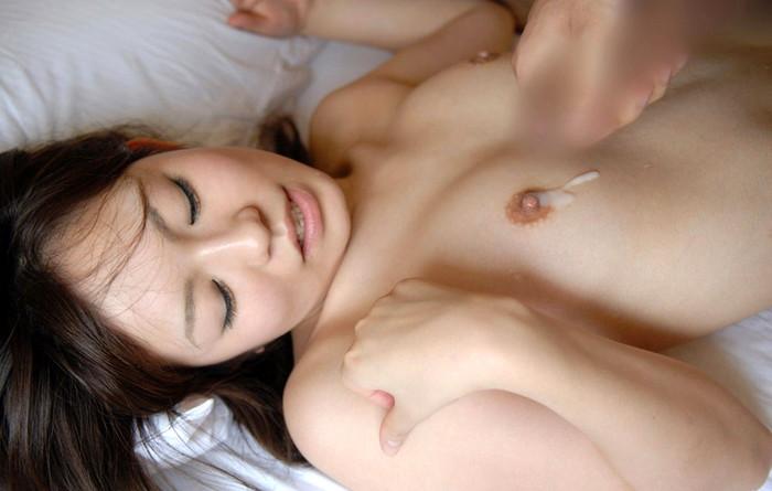 【射精エロ画像】女性の象徴であるおっぱいをザーメンでドロッドロに汚したい! 08
