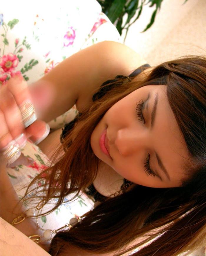 【手コキエロ画像】自分でするより気持ちいいぜ!他力本願な手コキエロ画像! 04