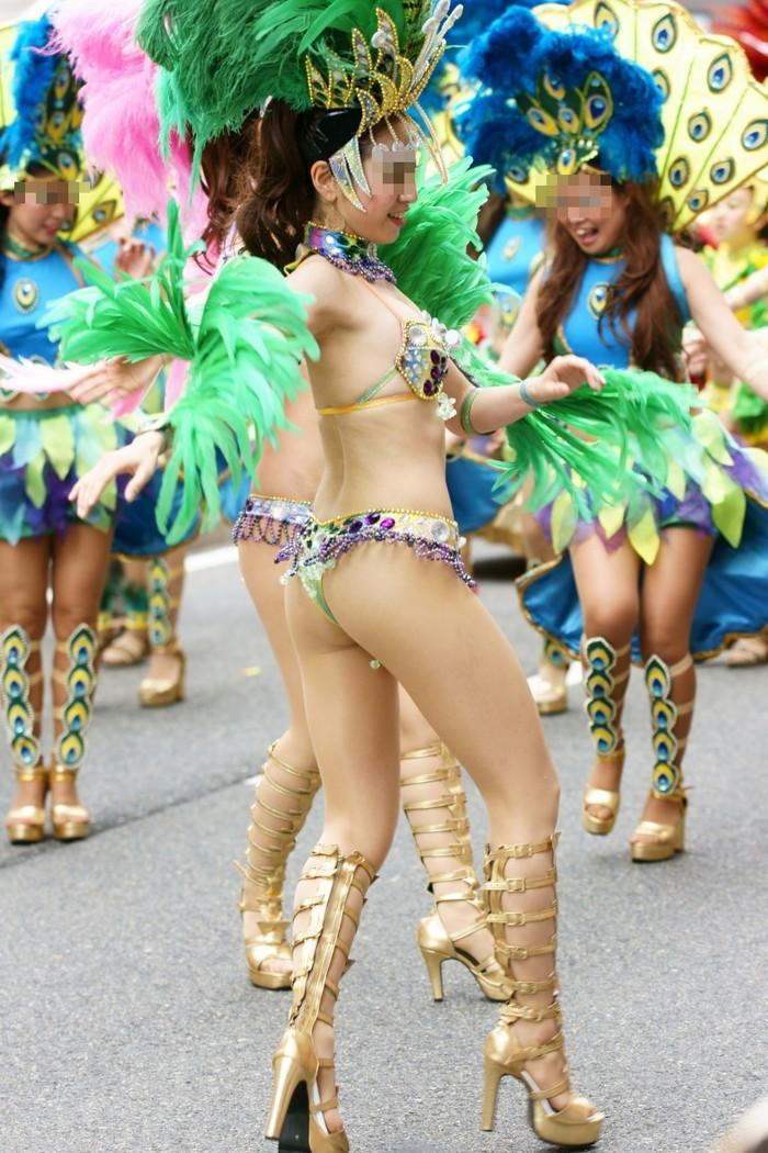 【サンバエロ画像】ほとんど下着!?過激衣装で踊るサンバの女の子たち! 23