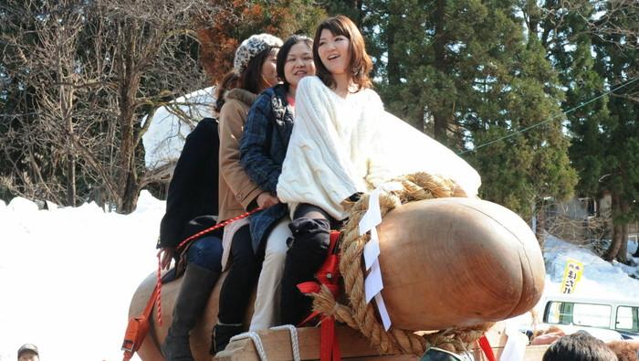 【かなまら祭エロ画像】本当にあったチンポ祭でとんだ羞恥プレイ! 08