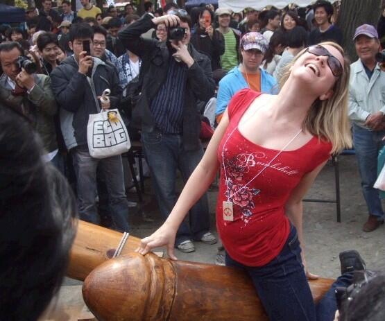 【かなまら祭エロ画像】本当にあったチンポ祭でとんだ羞恥プレイ! 09