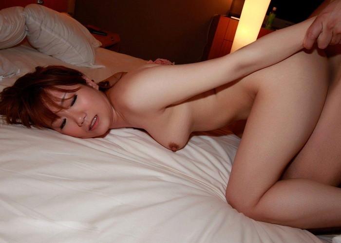 【セックスエロ画像】バックでセクロスする女達の表情がヨダレモノだ!w 41