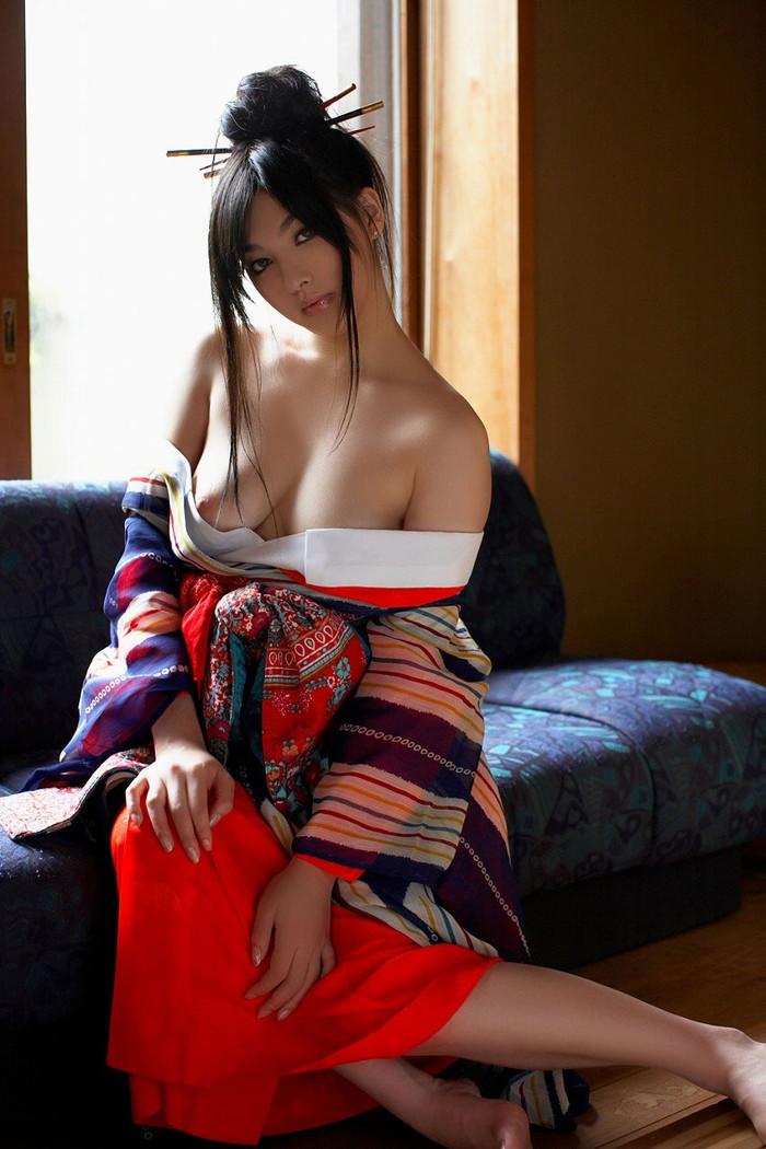 【着物エロ画像】日本人女性の魅力を堪能するといったら着物は欠かせない! 02