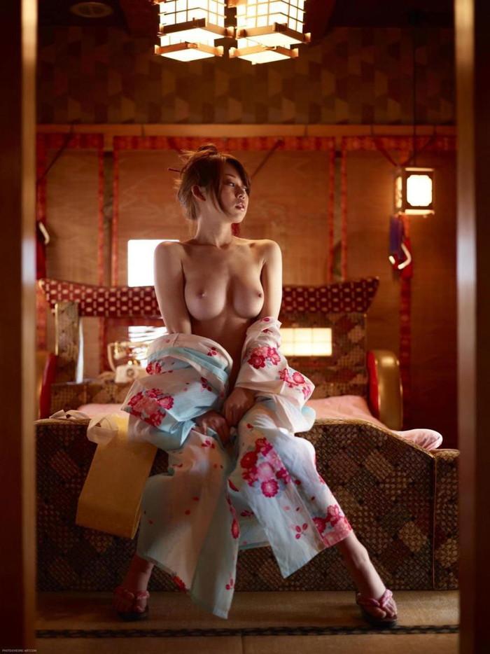 【着物エロ画像】日本人女性の魅力を堪能するといったら着物は欠かせない! 05