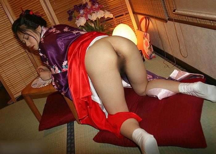 【着物エロ画像】日本人女性の魅力を堪能するといったら着物は欠かせない! 12