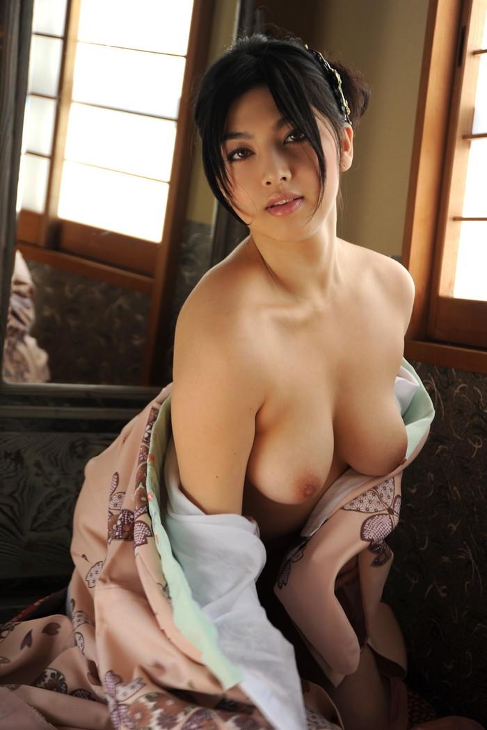 【着物エロ画像】日本人女性の魅力を堪能するといったら着物は欠かせない! 17