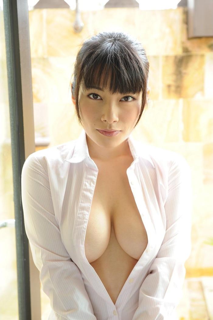 【裸Yシャツエロ画像】Yシャツに透けてしまう乳首もエロい!男のロマン!? 15