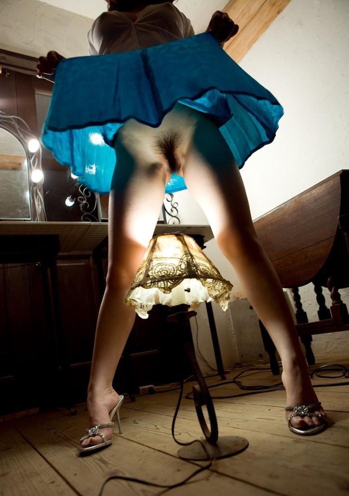 【スカート捲りエロ画像】女の子から自発的にスカート捲くって「見てもいいよ♪」 17