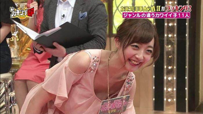 【放送事故エロ画像】おっぱい!パンツ!予期せずに流れた放送事故! 25