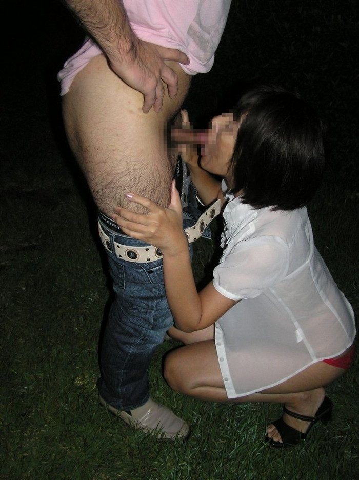 【青姦エロ画像】誰に見られるかわからない羞恥心の中で楽しむ青姦セックス! 24