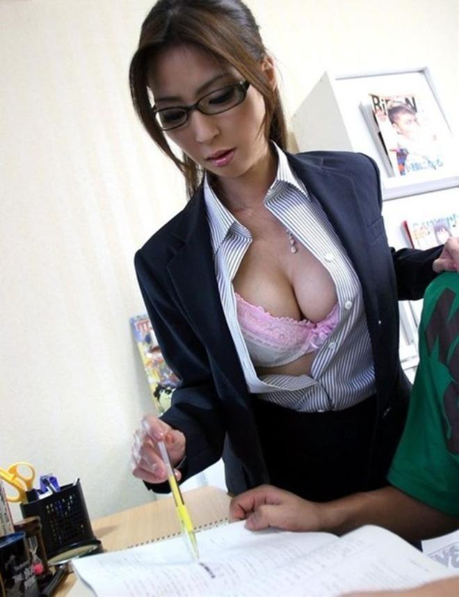 【女教師エロ画像】知的な女性の代表!女教師の破廉恥な姿に妄想が大爆発! 08