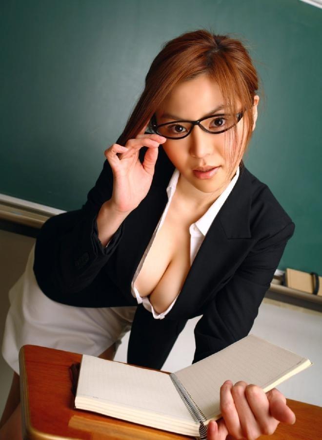 【女教師エロ画像】知的な女性の代表!女教師の破廉恥な姿に妄想が大爆発! 13