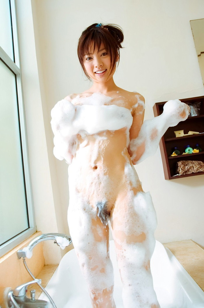【入浴エロ画像】バスルームで可愛い姿を披露してくれるセクシーキュートな女の子 13