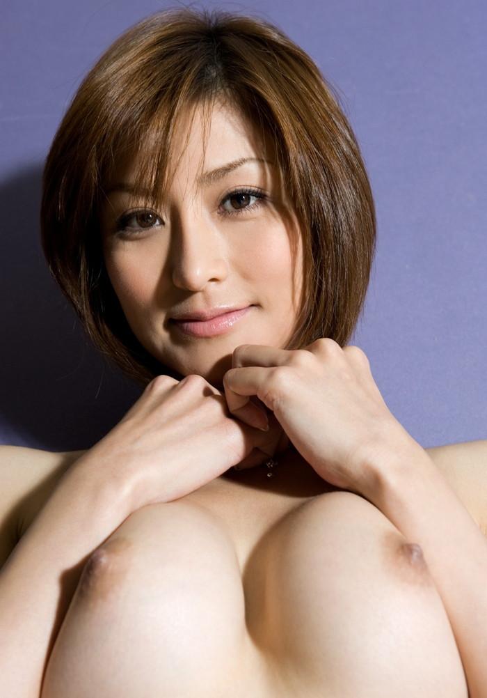 【おっぱいエロ画像】神々しさすらも感じる女性の象徴!美巨乳特集! 18