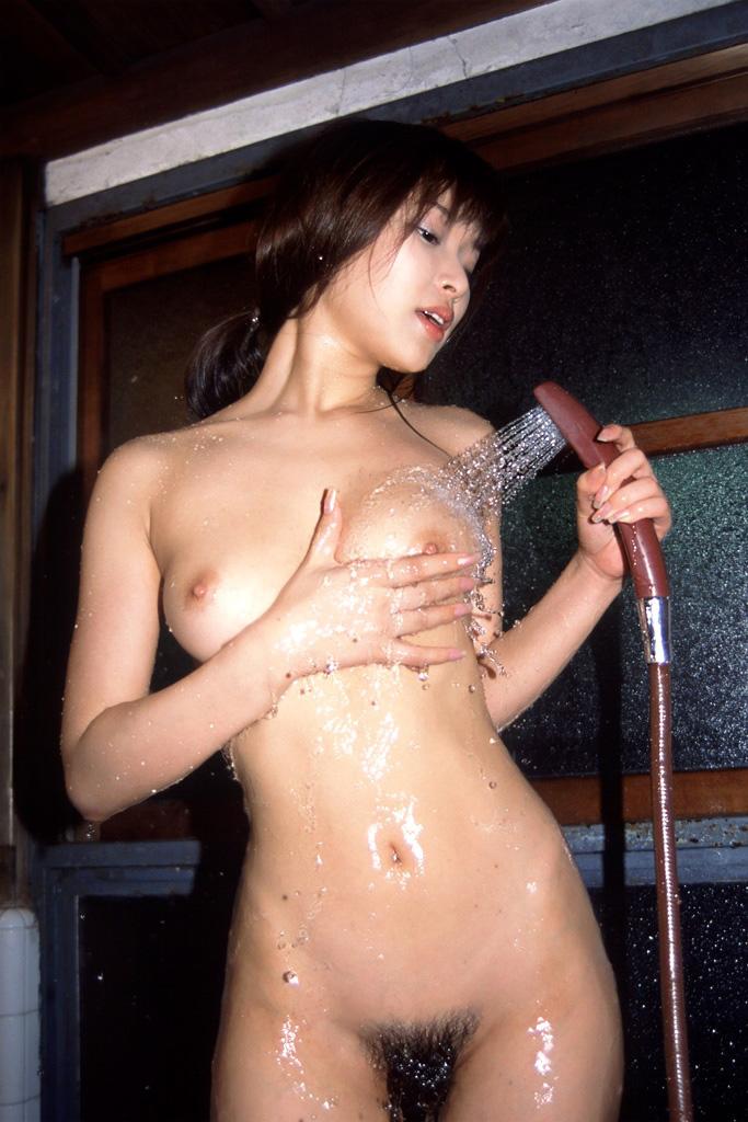 【シャワーエロ画像】女の子の一糸まとわぬお風呂場でのシャワーシーン 19
