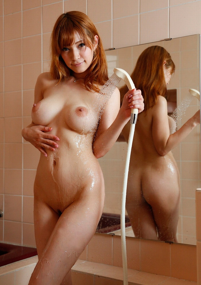 【シャワーエロ画像】女の子の一糸まとわぬお風呂場でのシャワーシーン 20