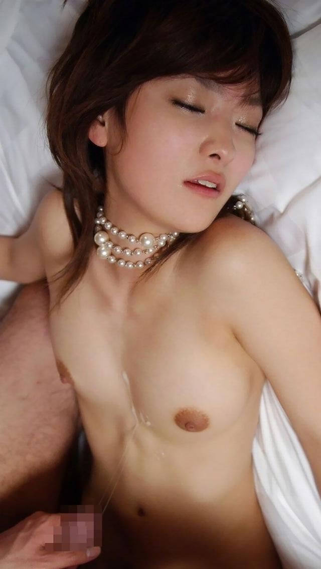 【胸射エロ画像】女性の象徴のおっぱいがドロッドロの白濁液で汚されているぞ! 31