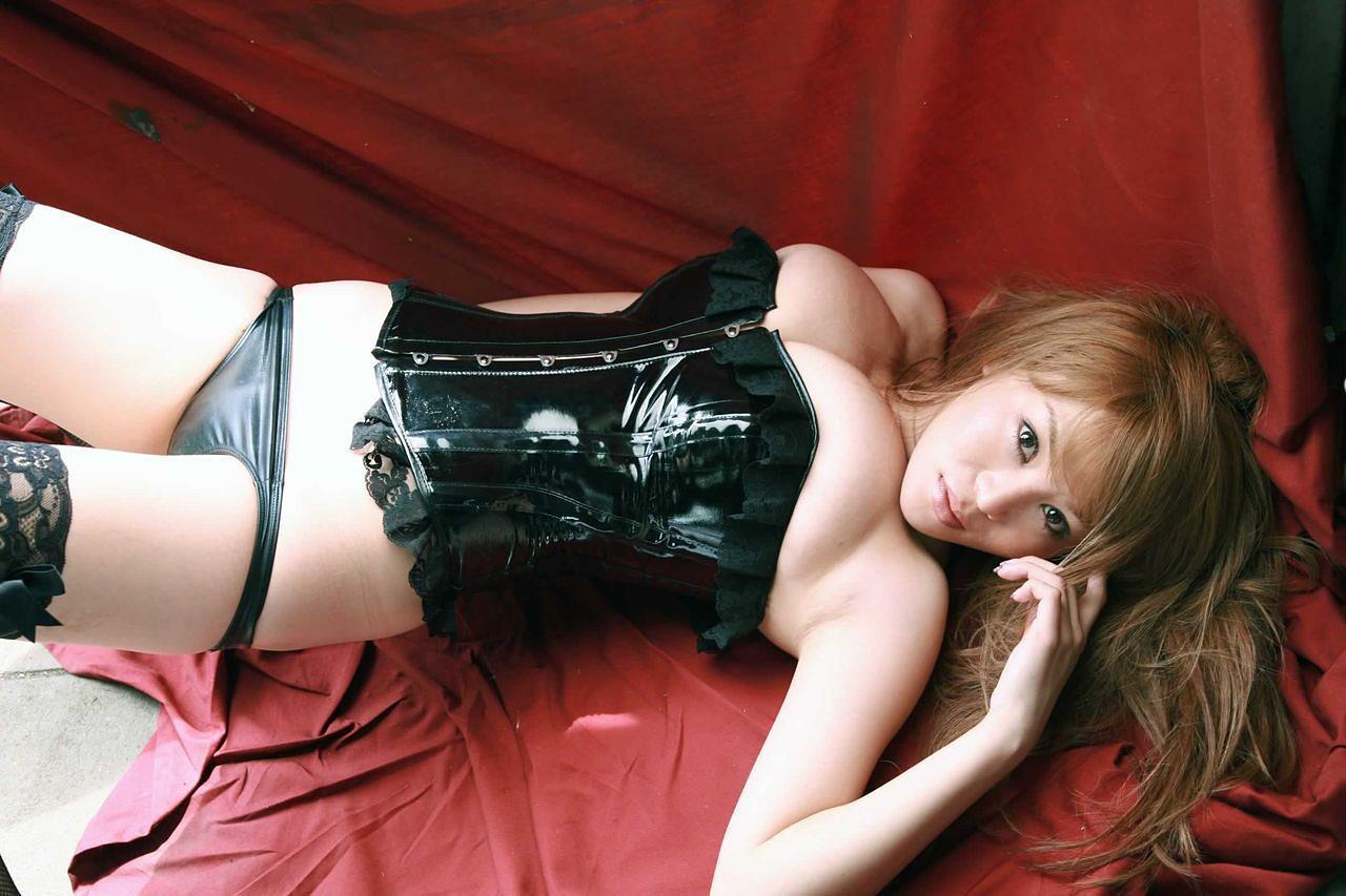 【ボンテージエロ画像】ボンテージに身を包んだ女たちの雰囲気が激エロだな!