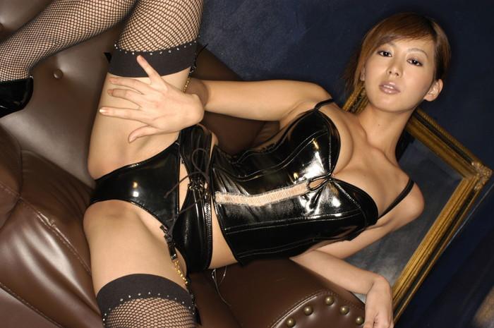 【ボンテージエロ画像】ボンテージに身を包んだ女たちの雰囲気が激エロだな! 11