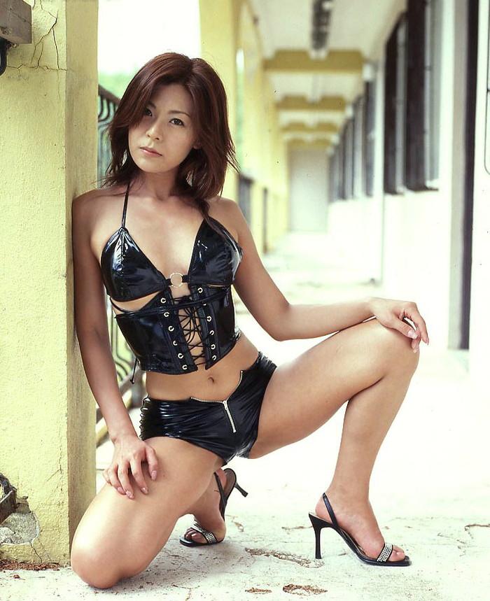 【ボンテージエロ画像】ボンテージに身を包んだ女たちの雰囲気が激エロだな! 12